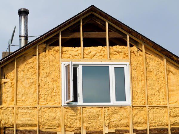 Как выбрать утеплитель для загородного дома?